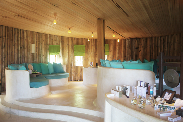The rustic welcome area was complete with bamboo wall and wooden ceiling.